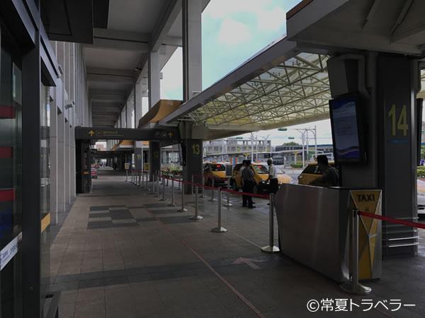 台北松山空港タクシー乗り場